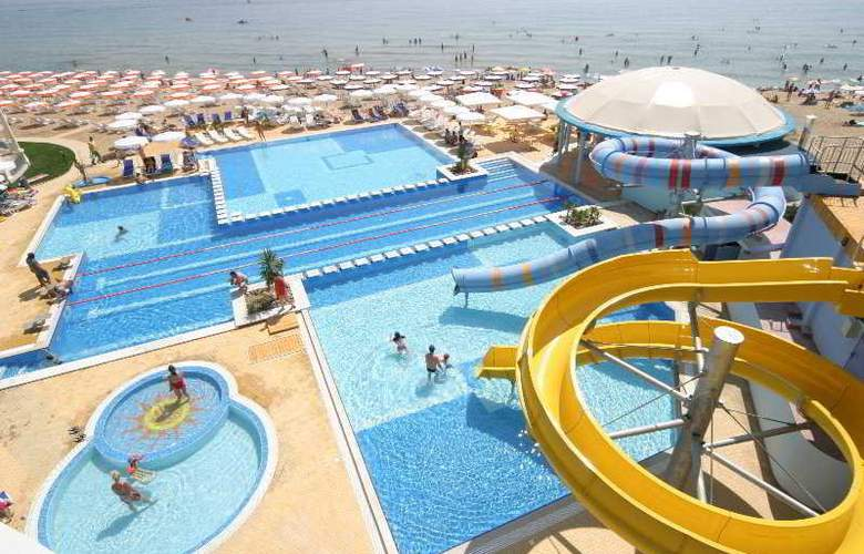 Azalia - Pool - 4