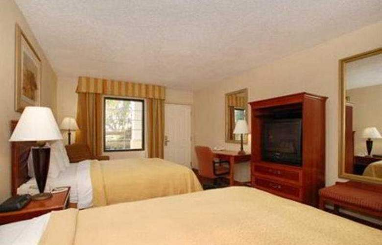 Quality Inn and Suites - Room - 7