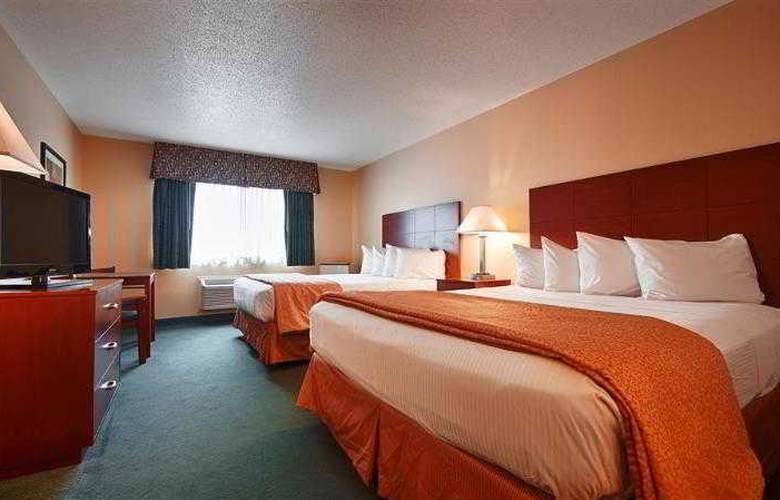Best Western Ambassador Inn & Suites - Hotel - 59