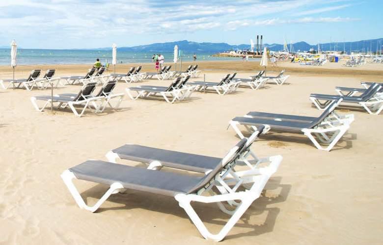 Complejo Novelty - Beach - 4