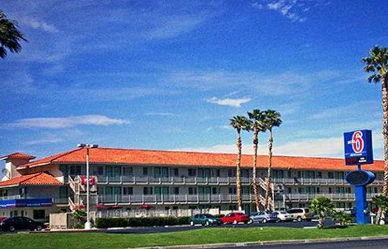 Motel 6 Twentynine Palms - Hotel - 0