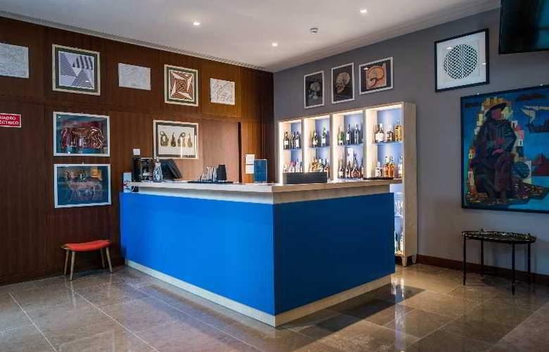 The Artist Porto Hotel & Bistro - Bar - 3