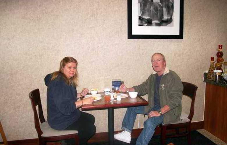 Hampton Inn Eugene - Hotel - 5