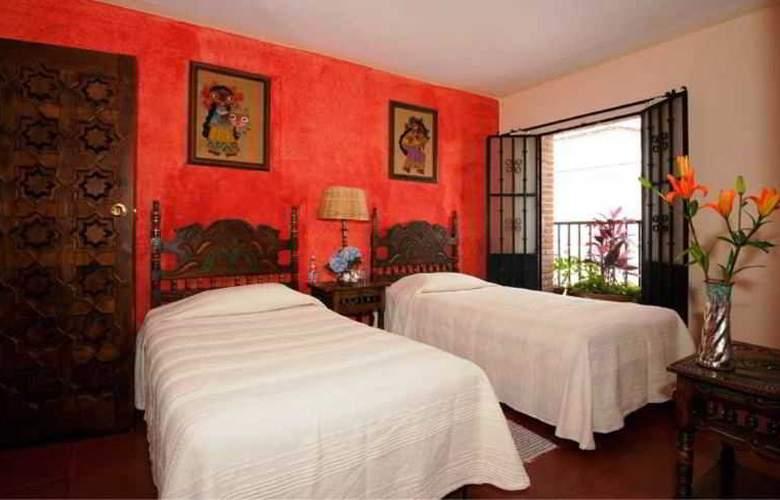 Hotel Emilia - Room - 1