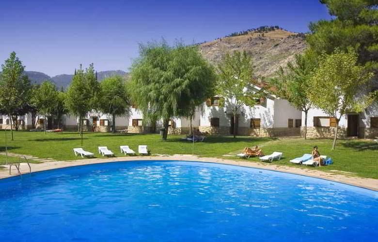 Complejo Los Enebros - Pool - 10