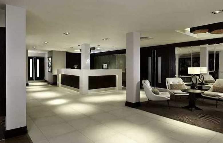 DoubleTree by Hilton Hotel London – Ealing - Hotel - 1