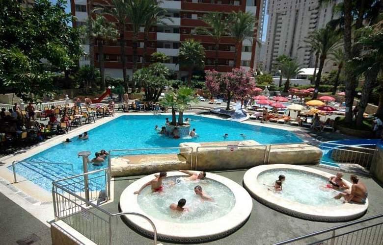 Alone - Pool - 3