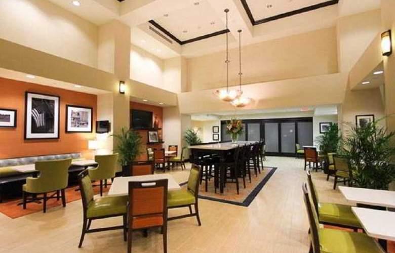 Hampton Inn and Suites Ocala - Restaurant - 3