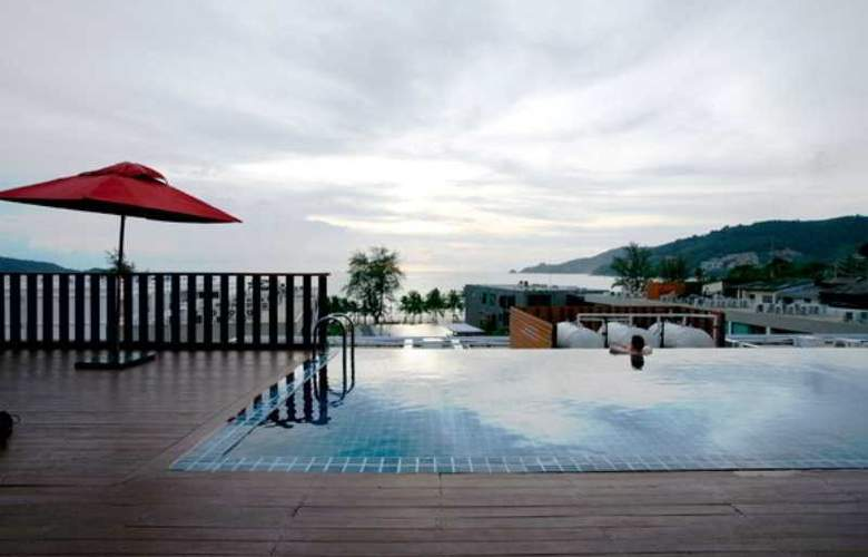7 Q Hotel - Pool - 8