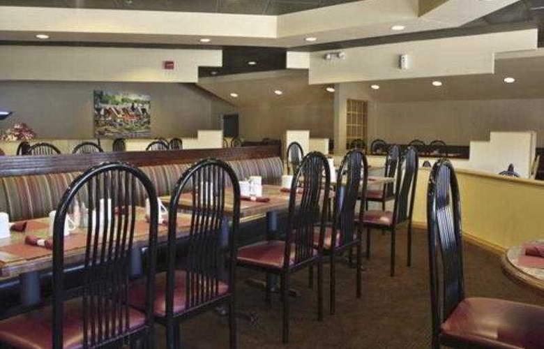 Wyndham Garden Hotel Philadelphia Airport - Restaurant - 9