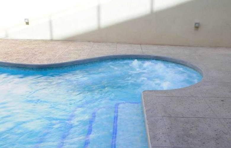 Bravosol - Pool - 8