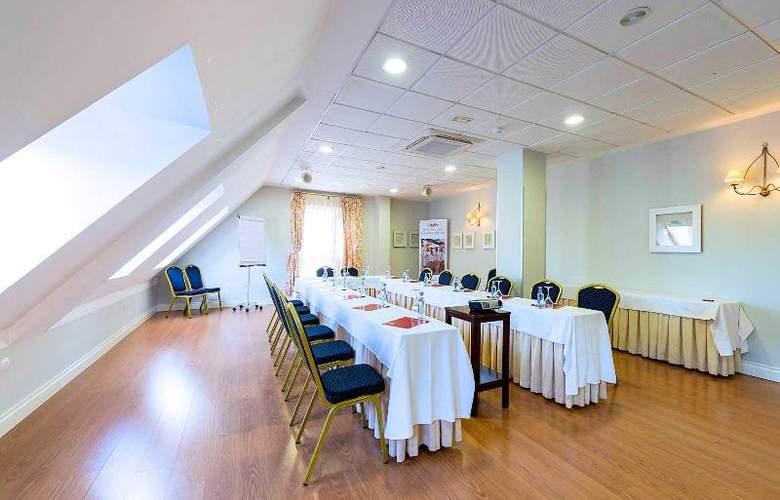 Infantas de Leon - Conference - 11