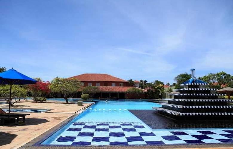 Club Palm Bay - Pool - 9