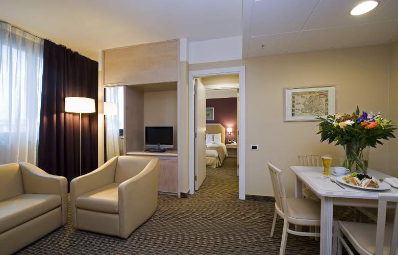 Holiday Inn Naples - Room - 10