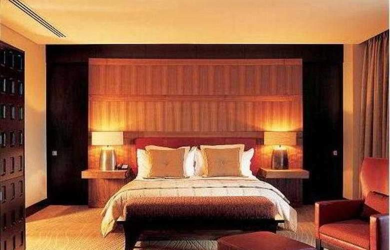 Conrad Pezula - Room - 2