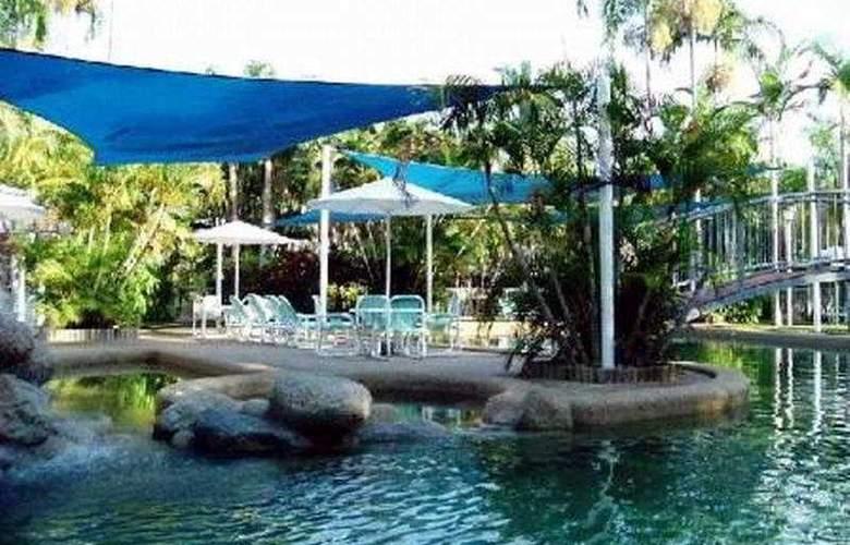 Nimrod Resort - Pool - 4