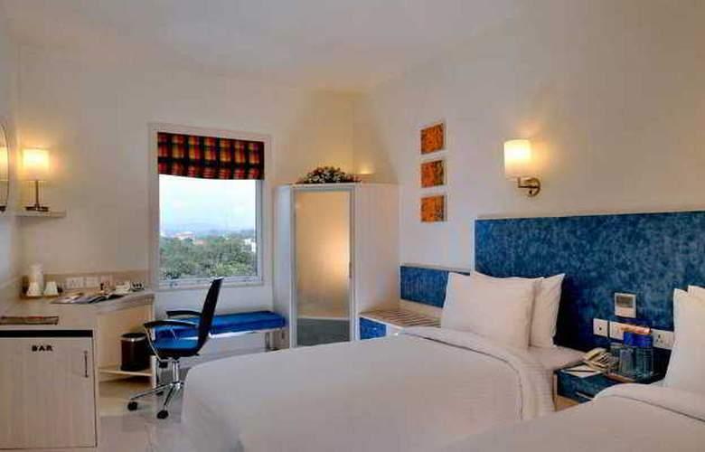Hometel Chandigarh - Room - 5