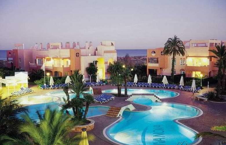 Oliva Nova Beach & Golf Resort - Pool - 11