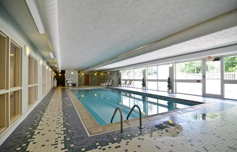 Best Western Plus Executive Court Inn - Pool - 95