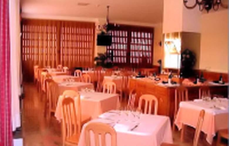 Grande Hotel Dom Dinis - Restaurant - 2