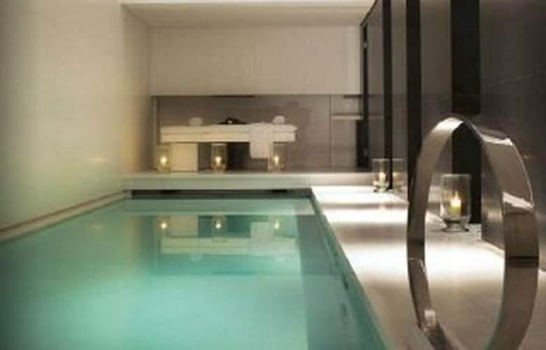 Le Metropolitan, a Tribute Portfolio, Paris - Pool - 2