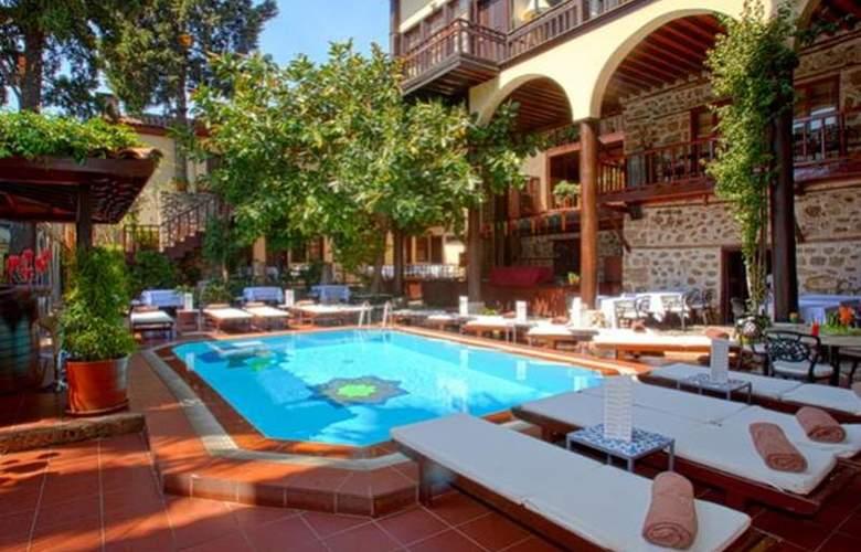 Alp Pasa Hotel - Pool - 44