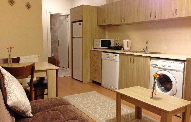 Atrium Suites - Room - 10