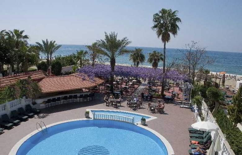 Azak Hotel - Pool - 11
