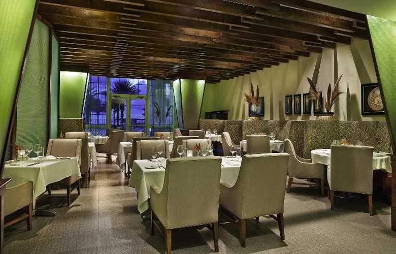 The Westin Dawn Beach Resort & Spa - Restaurant - 18