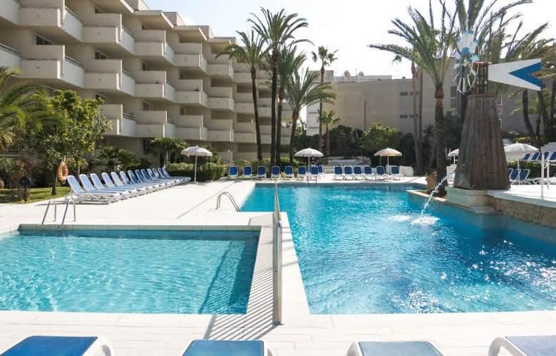 Globales Cala Bona Suites - Pool - 13