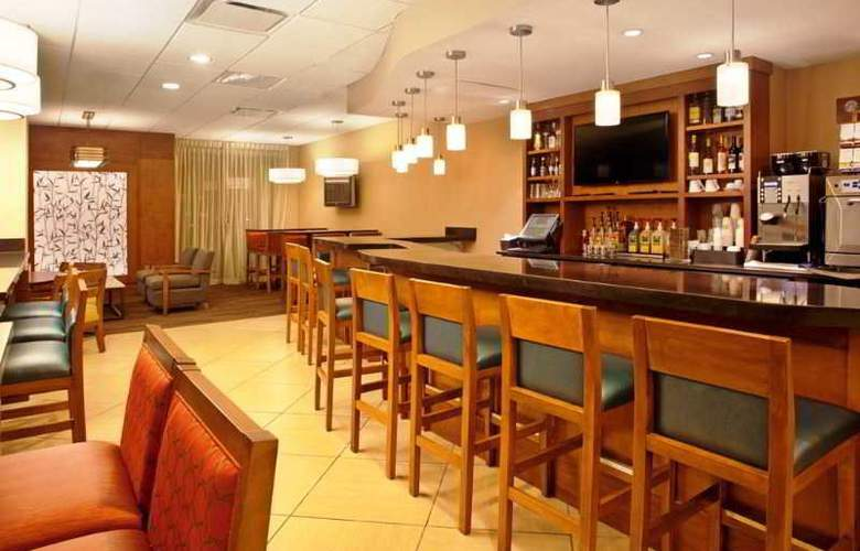 Hyatt Place Orlando Universal - Bar - 15