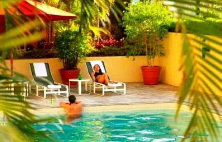 Hilton Brisbane - Pool - 3