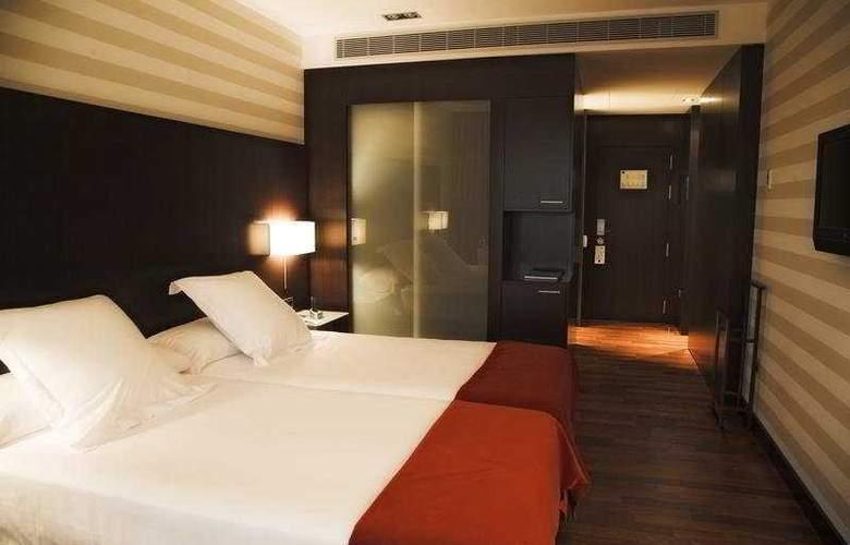 Zenit Pamplona - Room - 2