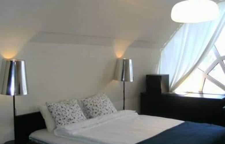 Manen - Room - 5