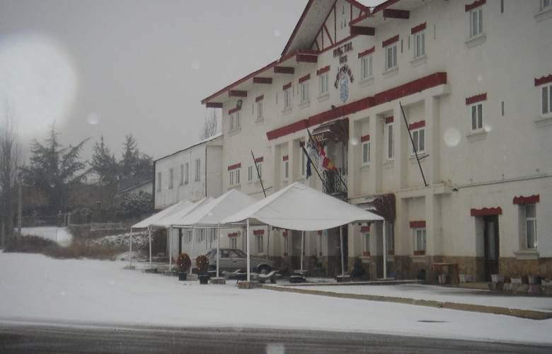 Los Perales - Hotel - 0