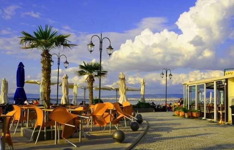 Hotel Avra - Hotel - 11
