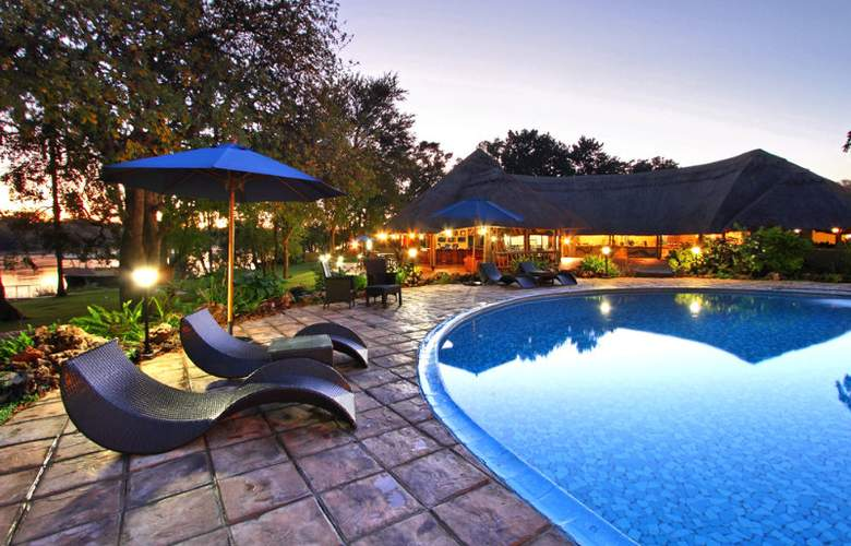 A Zambezi River Lodge - Pool - 8