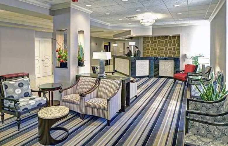 Doubletree Hotel Madison - Hotel - 3