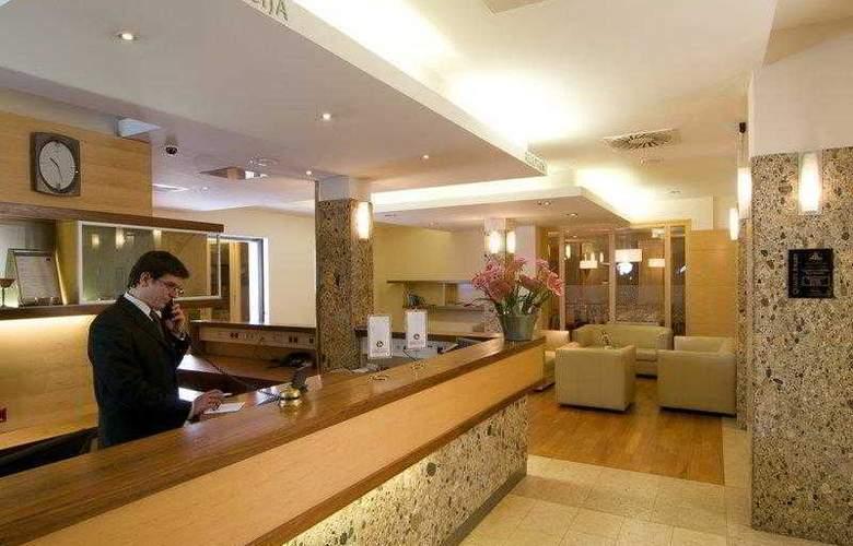 Best Western Premier Lovec - Hotel - 16