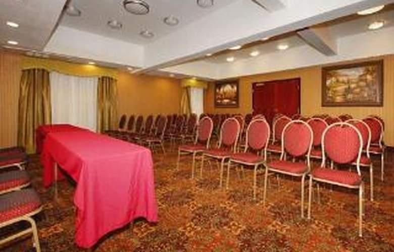 Comfort Inn & Suites At Vance Jackson - General - 4