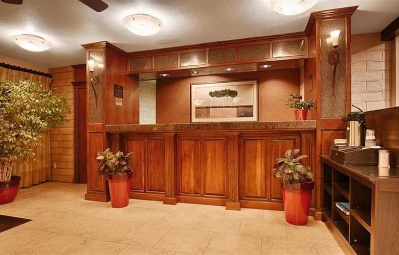 Best Western Plus Orchard Inn - Hotel - 37