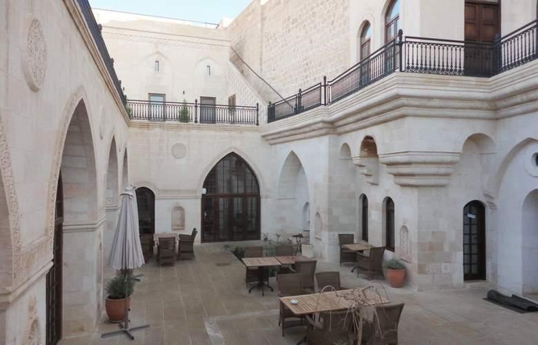 Shmayaa - Terrace - 6