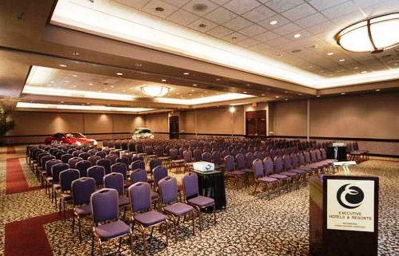 Executive Airport Plaza & Conference Centre - Conference - 8