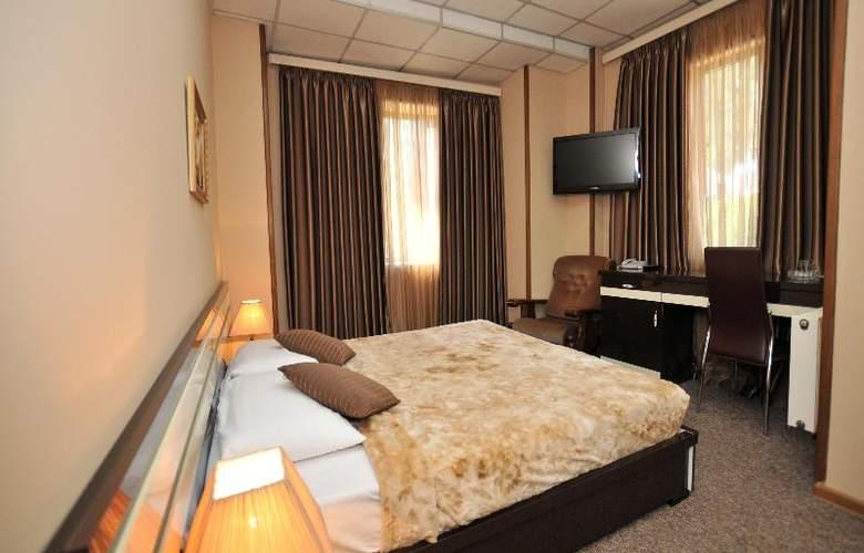 Diplomat Hotel - Room - 31