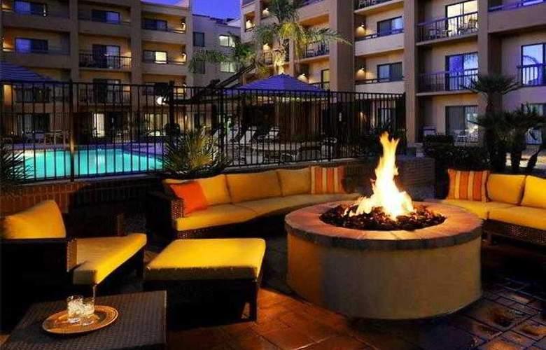 Courtyard Phoenix Airport - Hotel - 8
