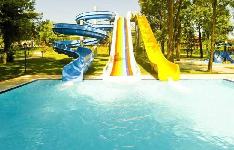 Gural Sapanca Wellnes Park Otel - Pool - 15