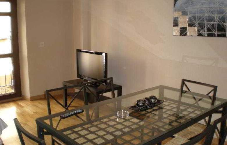 H2 Tirso de Molina - Room - 3