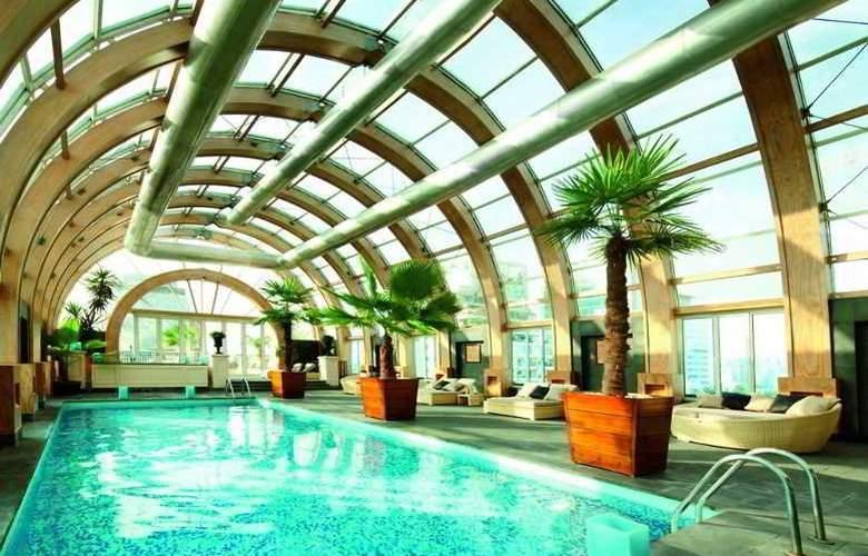 The Ritz Carlton Santiago - Pool - 9