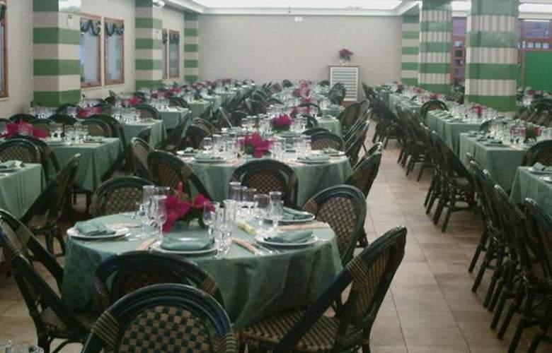 Perla Del Golfo - Hotel - 2
