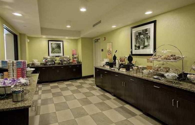Hampton Inn Tunnel Road - Hotel - 9